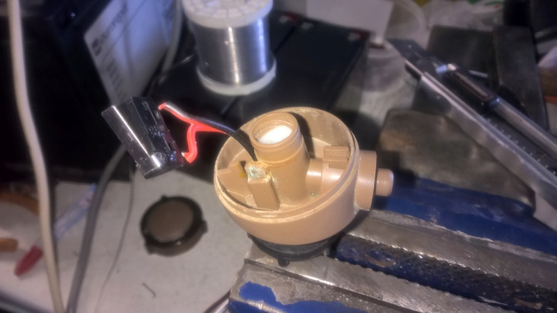 Cherche contacteur de robinet salle d'eau sur Eriba 580 Wp_20119