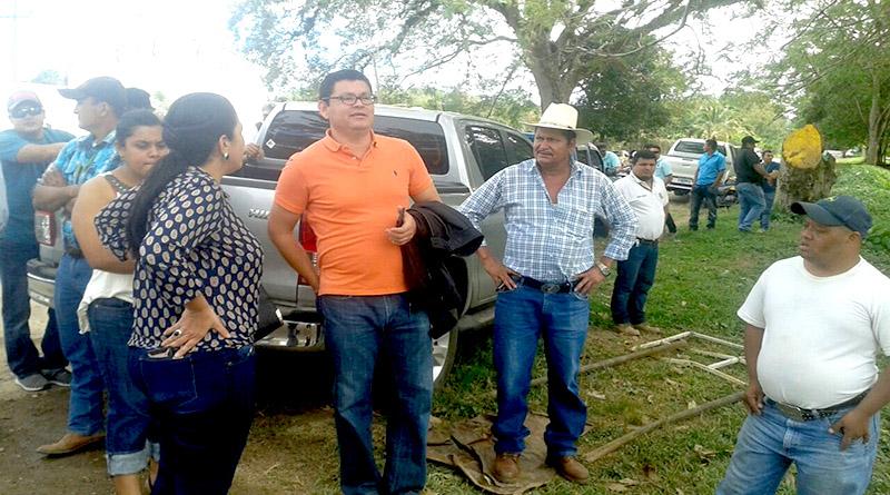 Catedraticos y estudiantes impiden a Marlon Escoto entrar a la UNA Marlon10