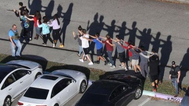 حوادث القتل و اطلاق النار بات مشهدا يوميا بالمدن الامريكية _1000310