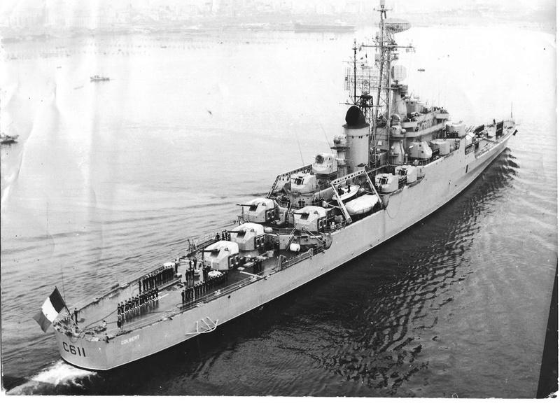 Le dernier croiseur - Croiseur Antiaérien Colbert C 611 - Heller 1/400 - Page 4 129