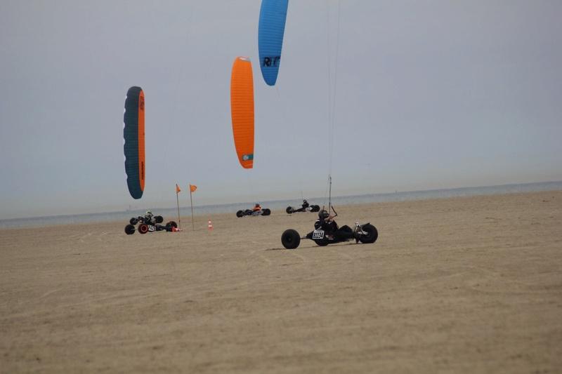 Nouveau proto Race kite Peter Lynn : Aero 2 - Page 2 Aero211