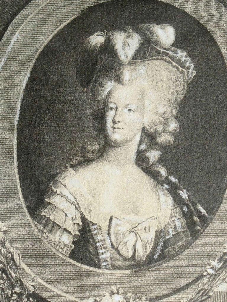 Portrait de la Reine 1778 - Page 4 29273810