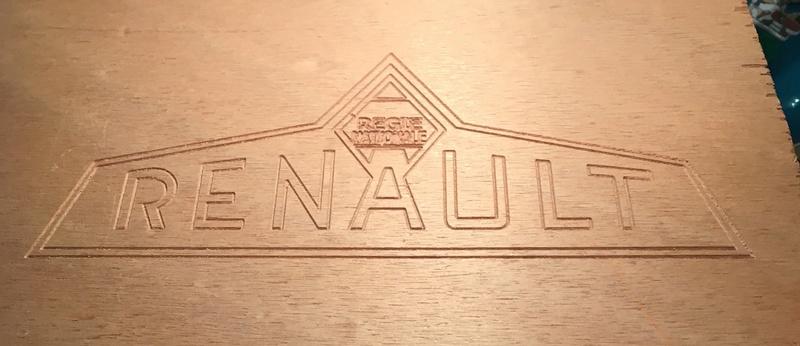 Reproduction de logo Régie Nationale Renault  C24a7010