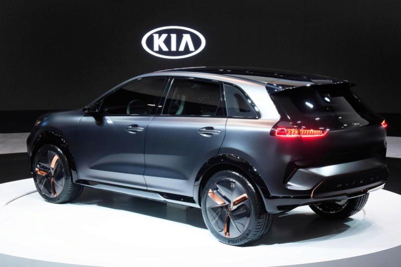 Kia elétrico 2018 (Niro EV) Lado10