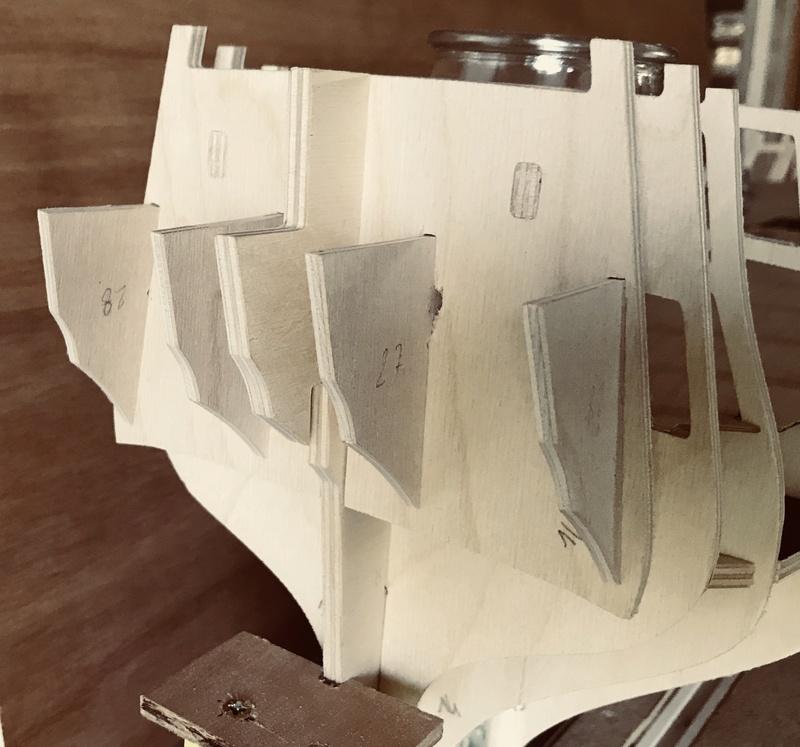 HMS AGAMEMNON au 1/64è de chez Caldercraft Avec quelques modifications... 25699e10