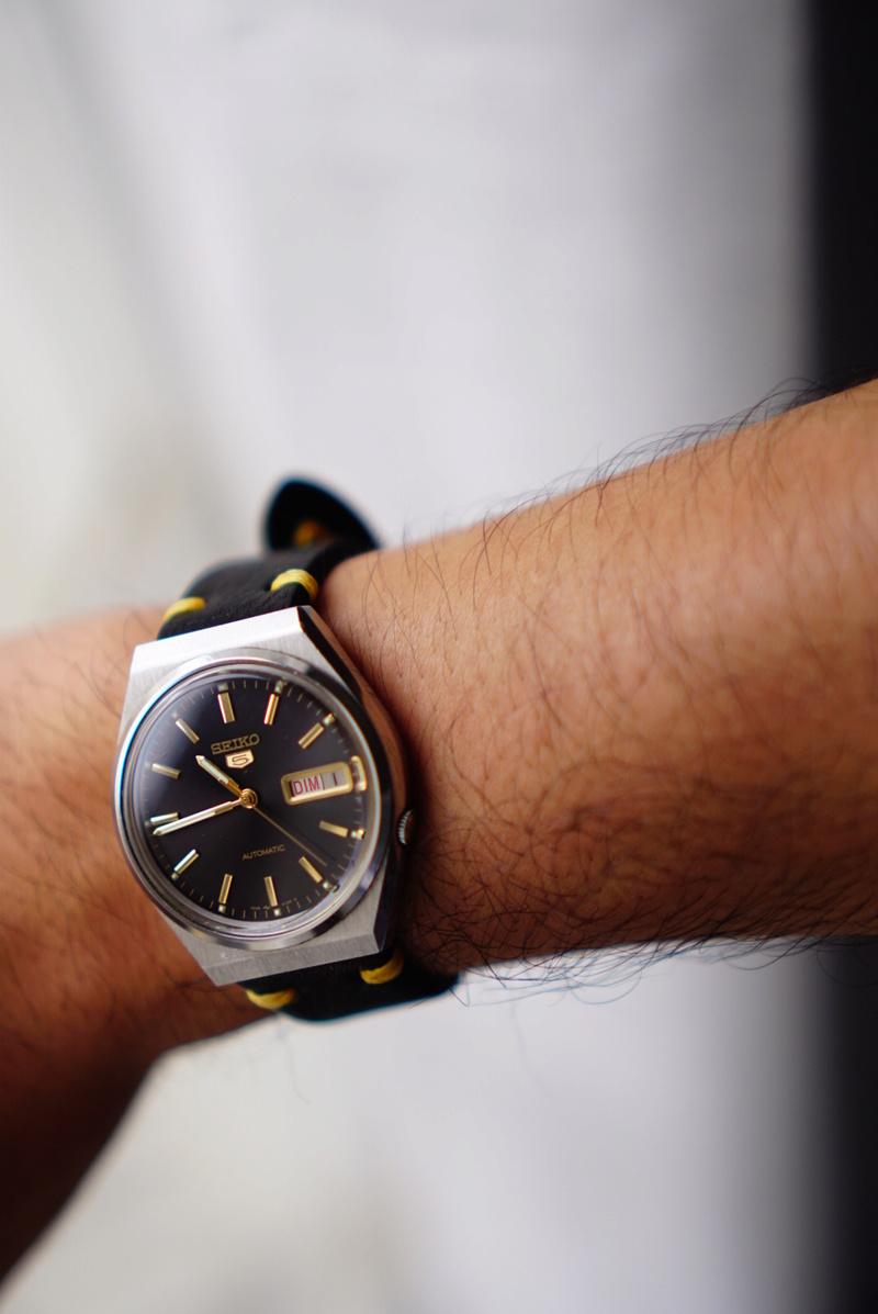 Les montres avec le Jour en français ! - Page 5 Dsc06310