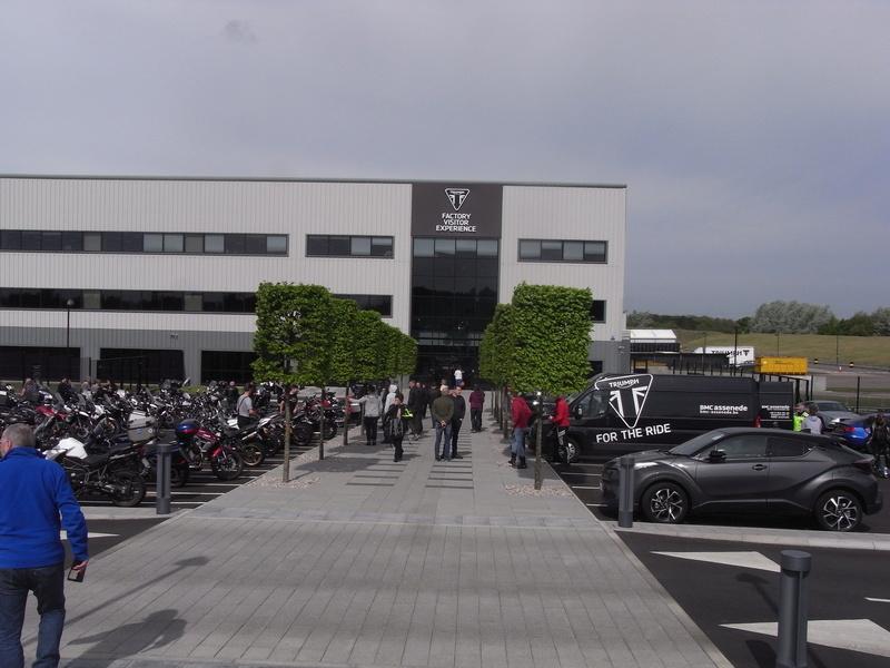 Triumph factory visit met BMC  Rimg0010