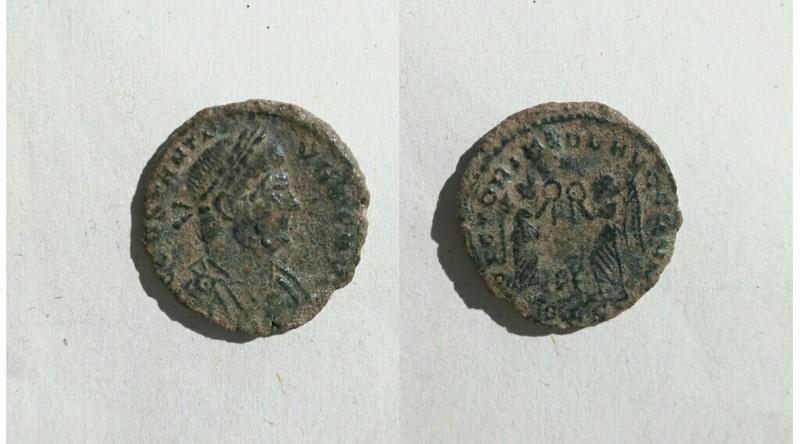 AE4 de Constancio II. VICTORIAE DD AVGG Q NN. Lyon Img_2024