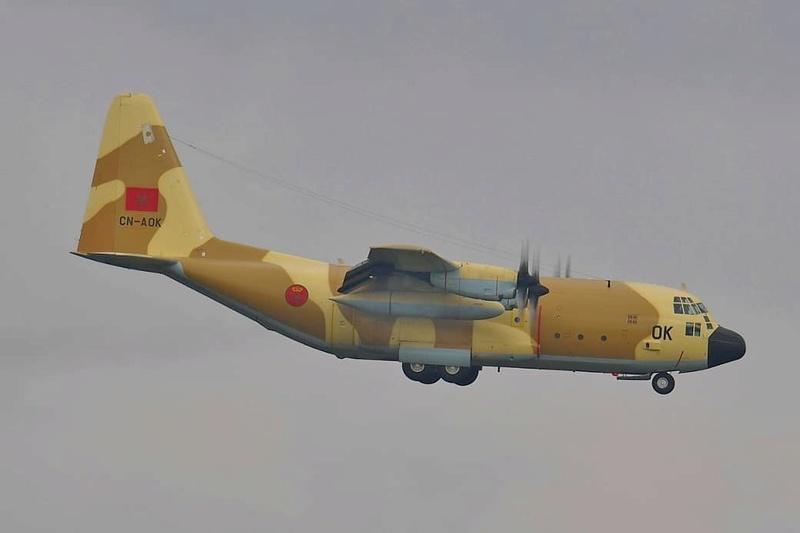 FRA: Photos d'avions de transport - Page 36 43936f10