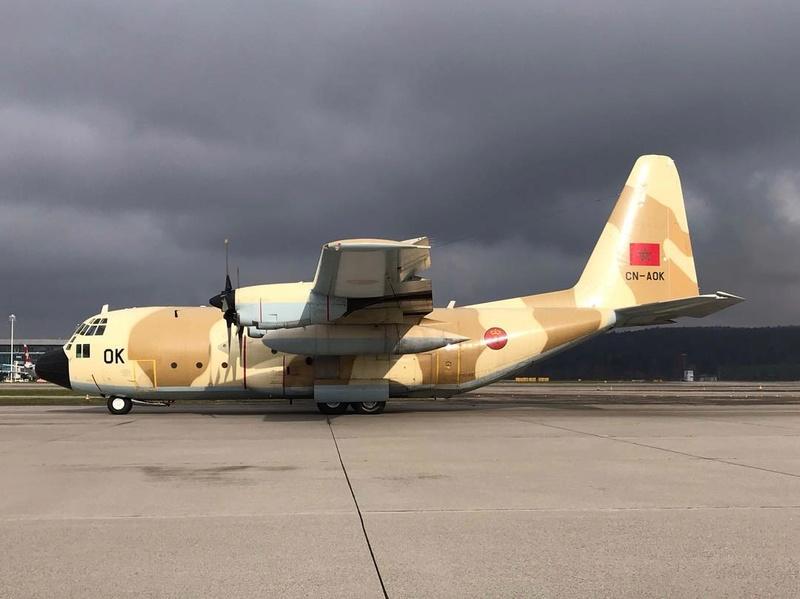 FRA: Photos d'avions de transport - Page 36 Bf67a410