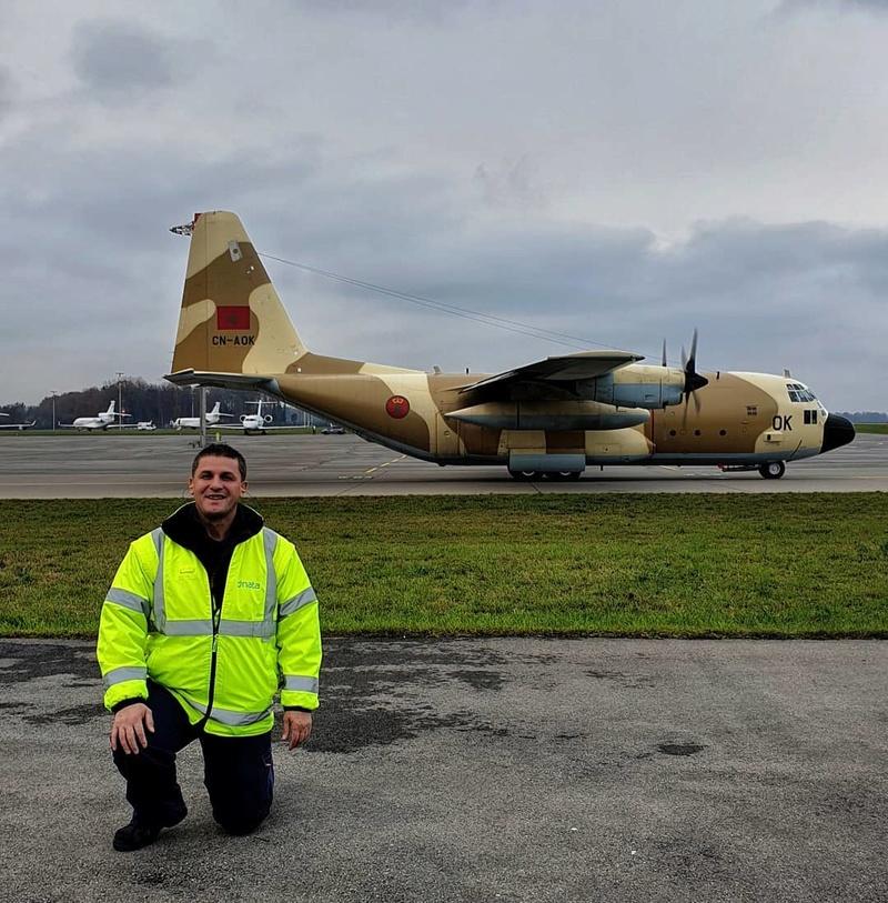 FRA: Photos d'avions de transport - Page 36 Da481410