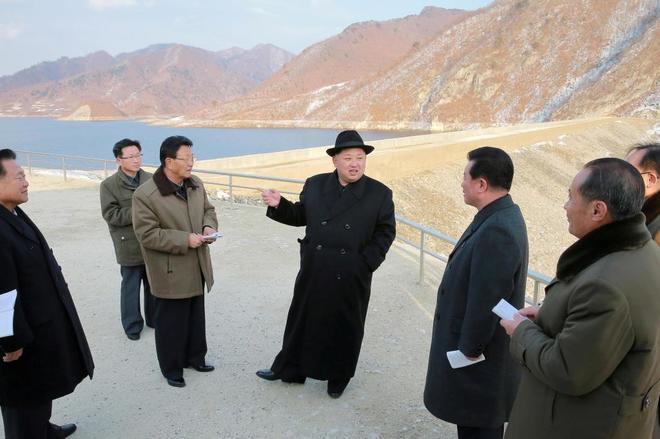 Vamos a hacer llover fuego sobre Estados Unidos.Canciller de Corea del Norte Nor_co10