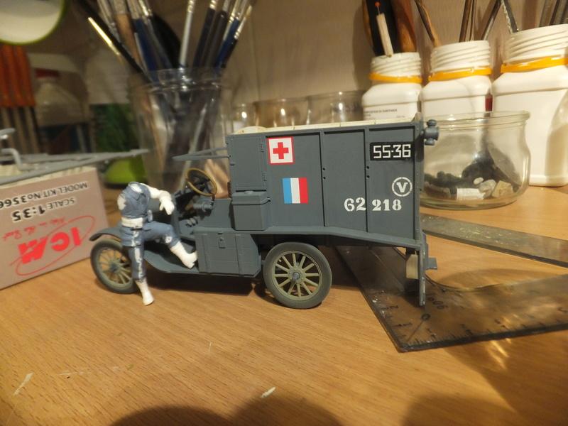 La noria des ambulances  pour St ROCH, [icm] Ford t 1/35 Dscf9131