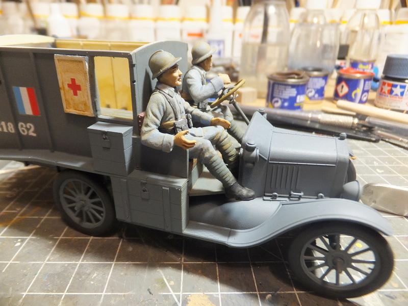 La noria des ambulances  pour St ROCH, [icm] Ford t 1/35 Dscf9492