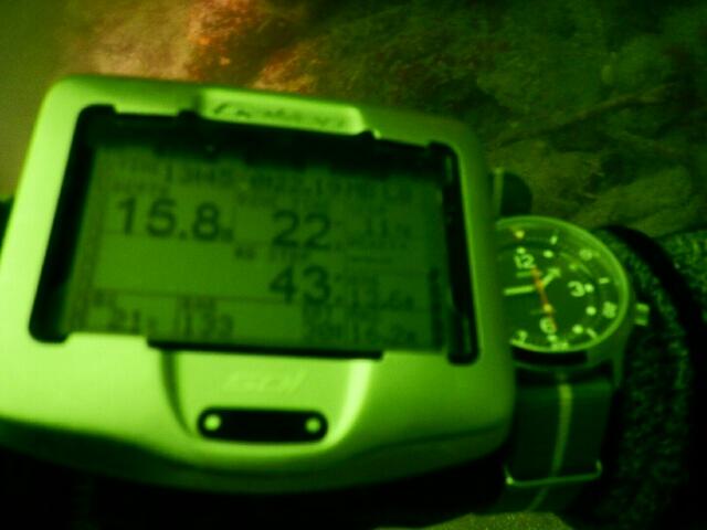 Une Amphibia peut-elle réellement aller à 200m sous l'eau ? - Page 2 Ko420110