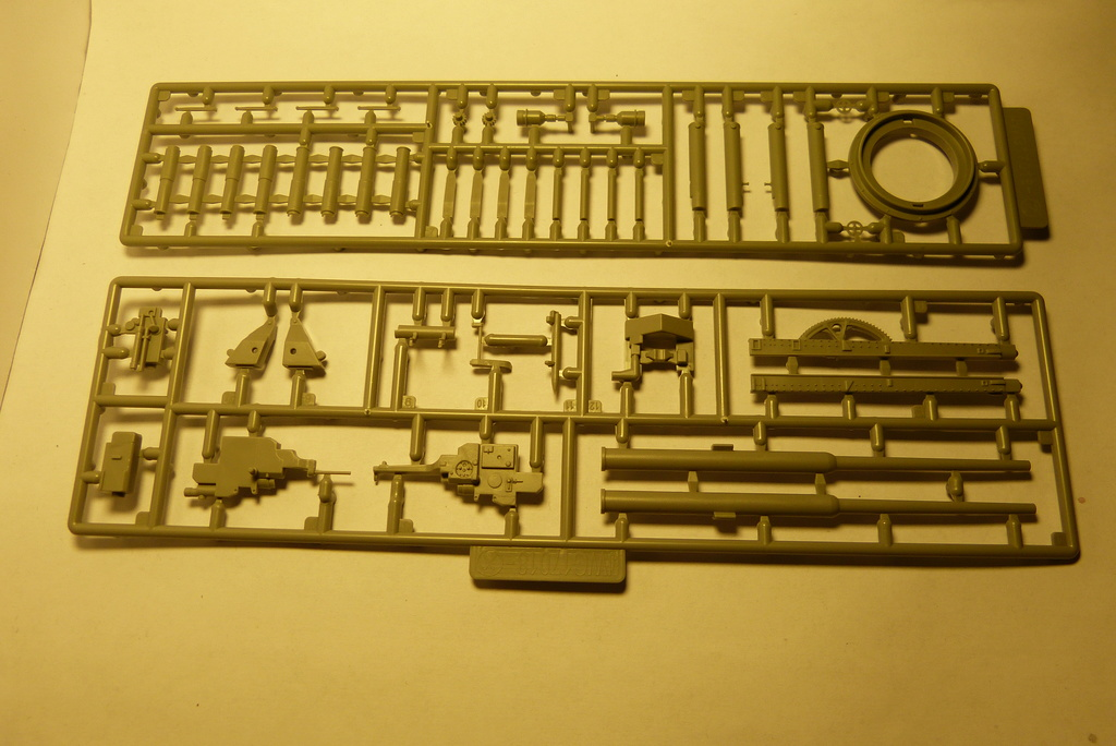 Bausatzreview 12,8cm Waffenträger auf E-100 P1050410
