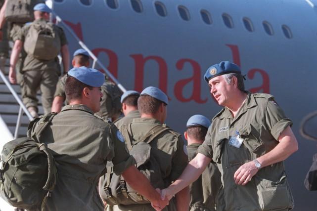 Casques bleus et Hélicoptères canadiens pour la MINUSMA 15079910