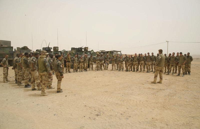 Engagement du groupement tactique désert blindé Dauphin  2013tm11