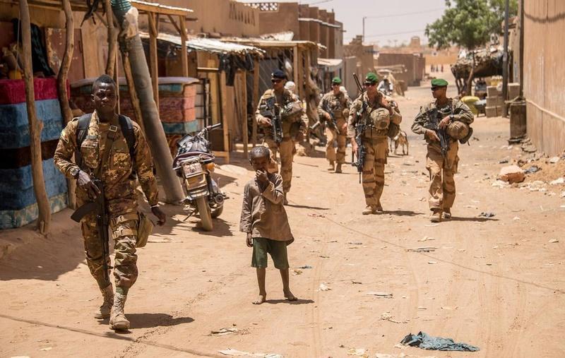 Patrouilles conjointes avec les FAMa à Ménaka 20180518