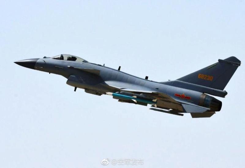 1ère mission de combat du nouveau chasseur chinois J-10C 40d90910