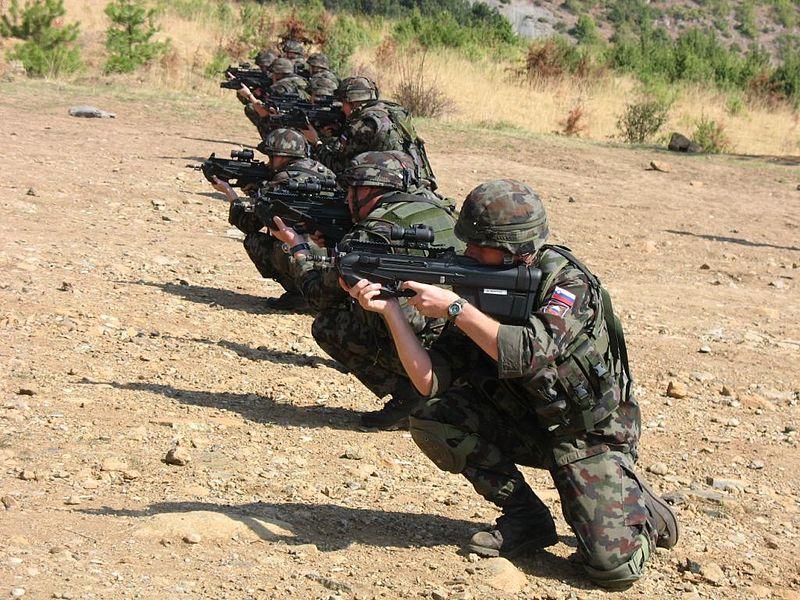 L'armée slovène échoue aux tests d'aptitude de l'Otan 800px-11