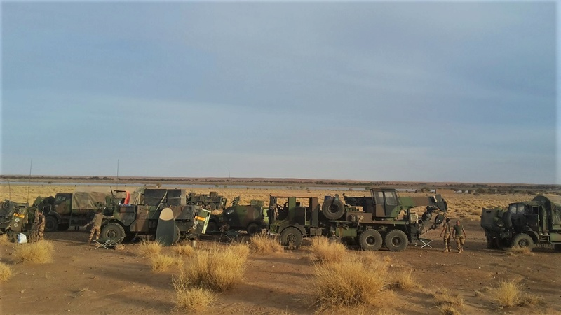 Convoi de ravitaillement au camp de Tombouctou Boat-n10