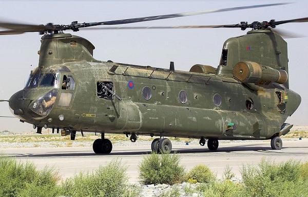 Des hélicos britanniques pour l'opération Barkhane au Sahel Ch47-r10
