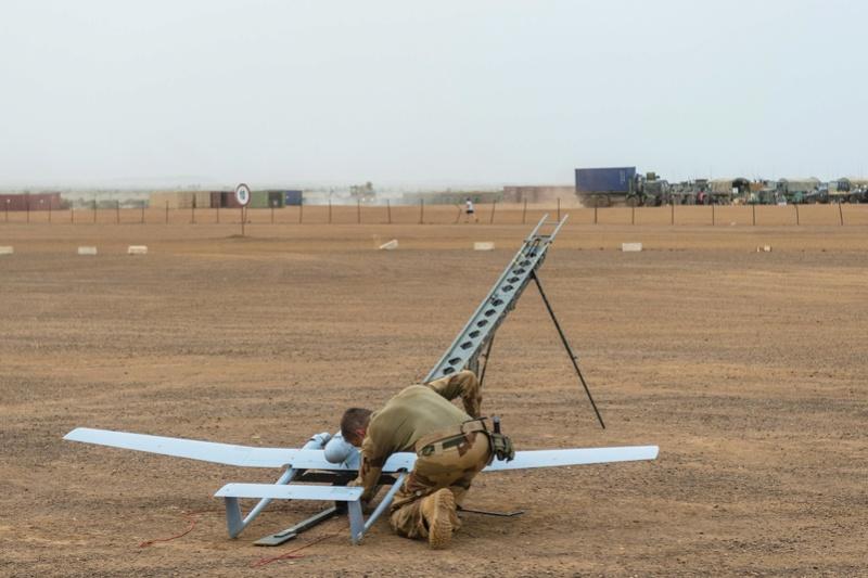 Le DRAC en vol tactique au-dessus du plateau de Batal Drac110