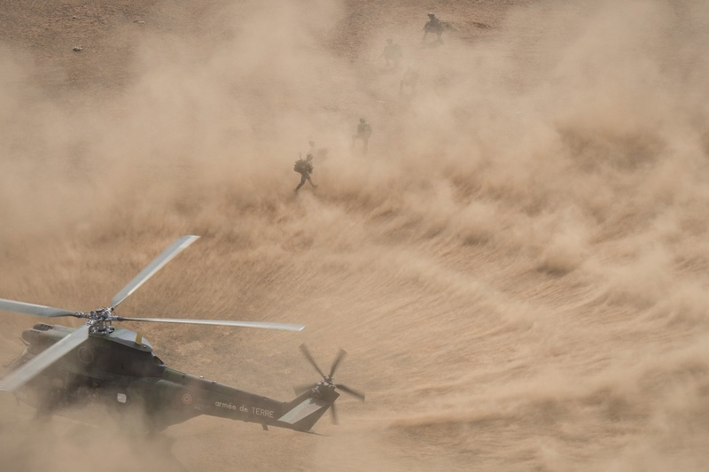 Au moins vingt tués après un raid de Barkhane au nord Mali Dvhmxp10