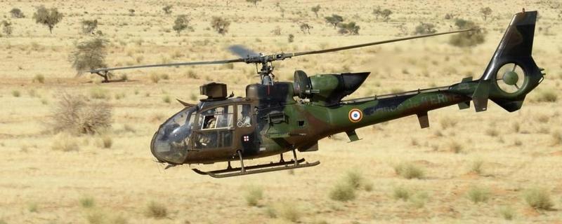Les hélicoptères de Barkhane en appui des convois LOG Helico12