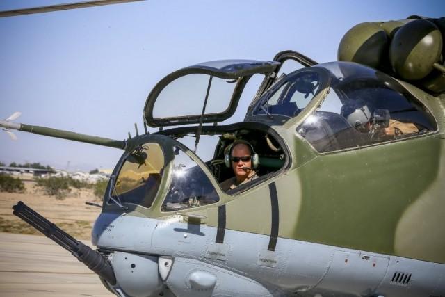 Des Mi-24 Hind et Mi-17 Hip pour... l'US Marine Corps ! !  Hind_f10