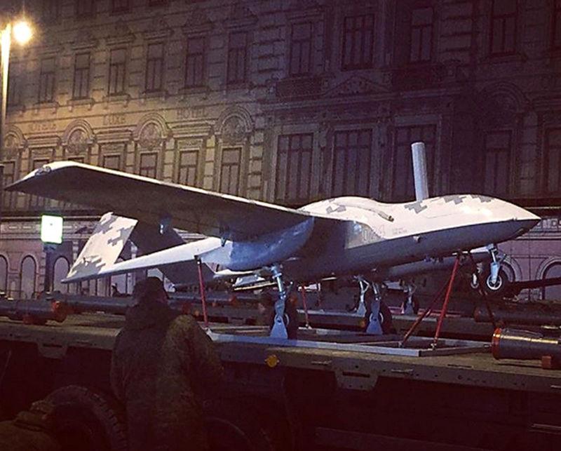 Drones de combat russes dévoilés à Moscou Image416