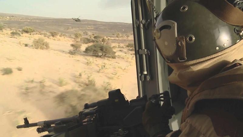 Les hélicoptères de Barkhane en appui des convois LOG Maxres11