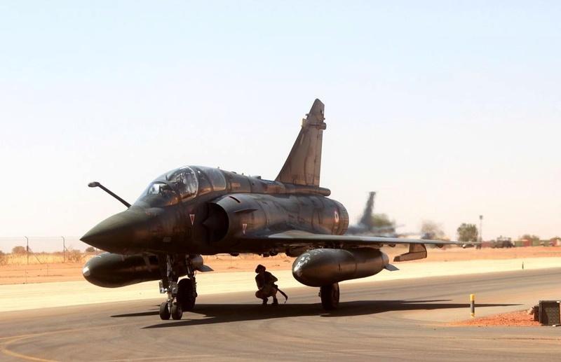 Au moins vingt tués après un raid de Barkhane au nord Mali Ob_30210