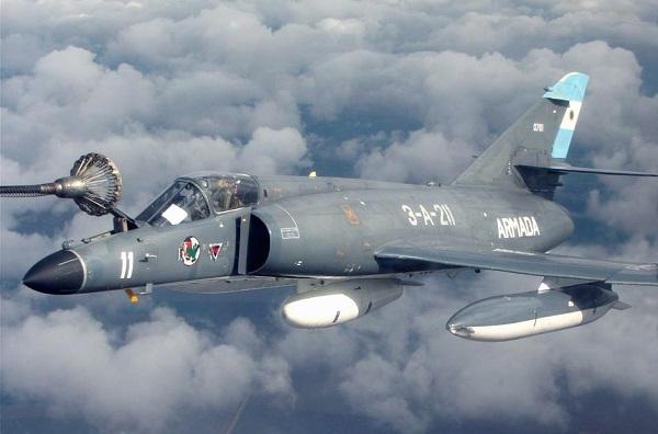 Encore 5 Super Etendard modernisés pour l'Argentine Super-10