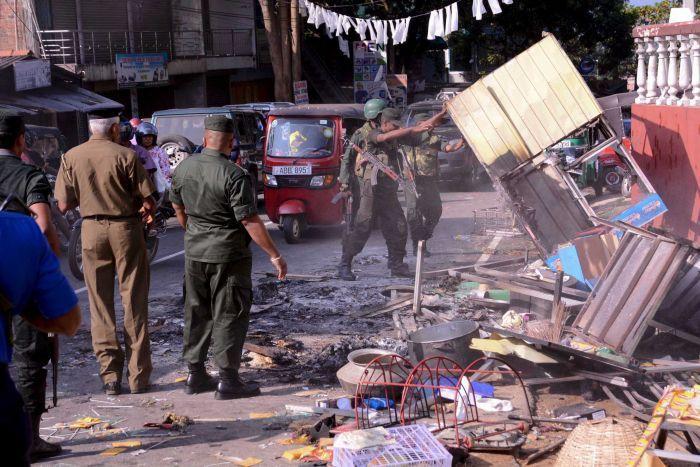 Η Σρι Λάνκα απαγορεύει την πρόσβαση στα κοινωνικά δίκτυα λόγω αναταραχών 95218810