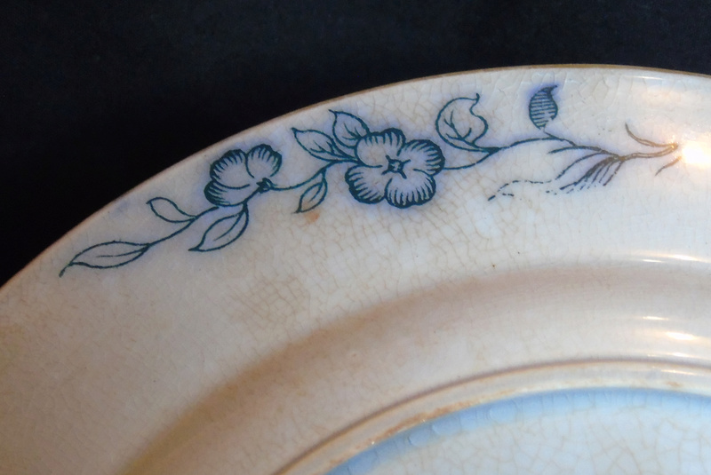 Can anyone give me any information on this dish please Dsc04615
