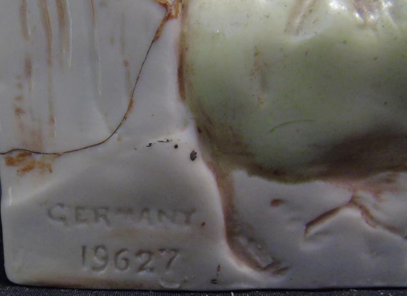Badly damaged figurine Dsc05411