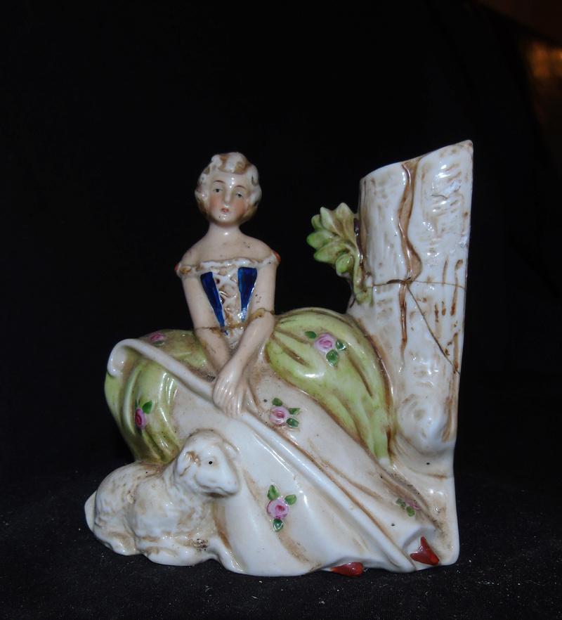 Badly damaged figurine Dsc05412