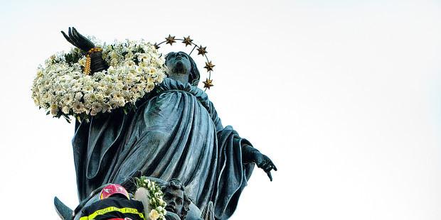 AVE MARIA pour notre Saint-Père le Pape François - Page 4 Web3-i10