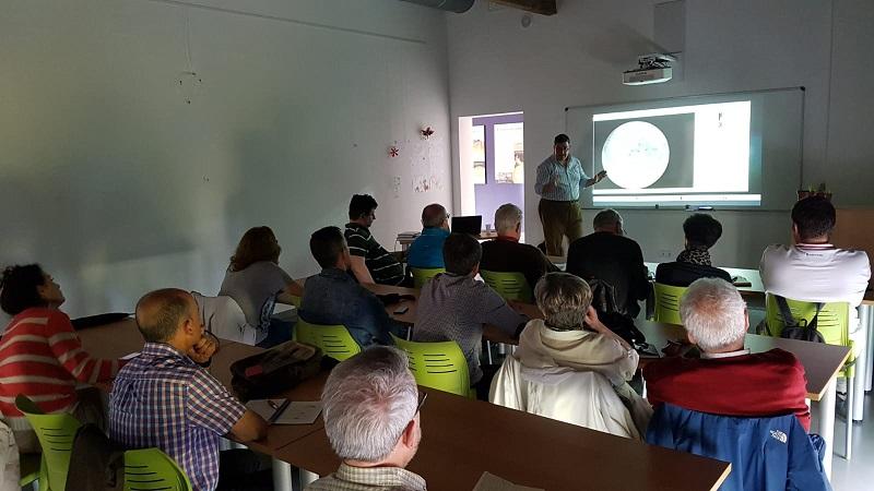 18-05-2018 Seminario de Astronomía: Programas informáticos astronómicos (Eduardo Adarve) 2018-020