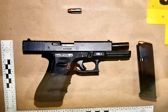 Photo's of mass murderer's weapons - Page 2 Glock_11