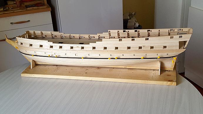 La Confederacy de 1772 au 1/64 par Model Shipways - Page 5 Ceintu11