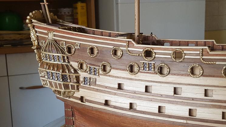 Le HMS Prince 1670 de Constructo au 1/61e de Captain Chris - Page 3 Pavois10
