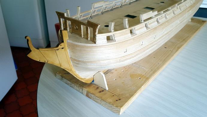 La Confederacy de 1772 au 1/64 par Model Shipways - Page 5 Pavois15