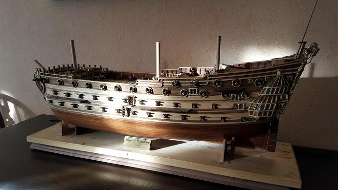 Le HMS Prince 1670 de Constructo au 1/61e de Captain Chris - Page 6 Socle_10