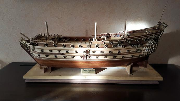 Le HMS Prince 1670 de Constructo au 1/61e de Captain Chris - Page 6 Socle_13