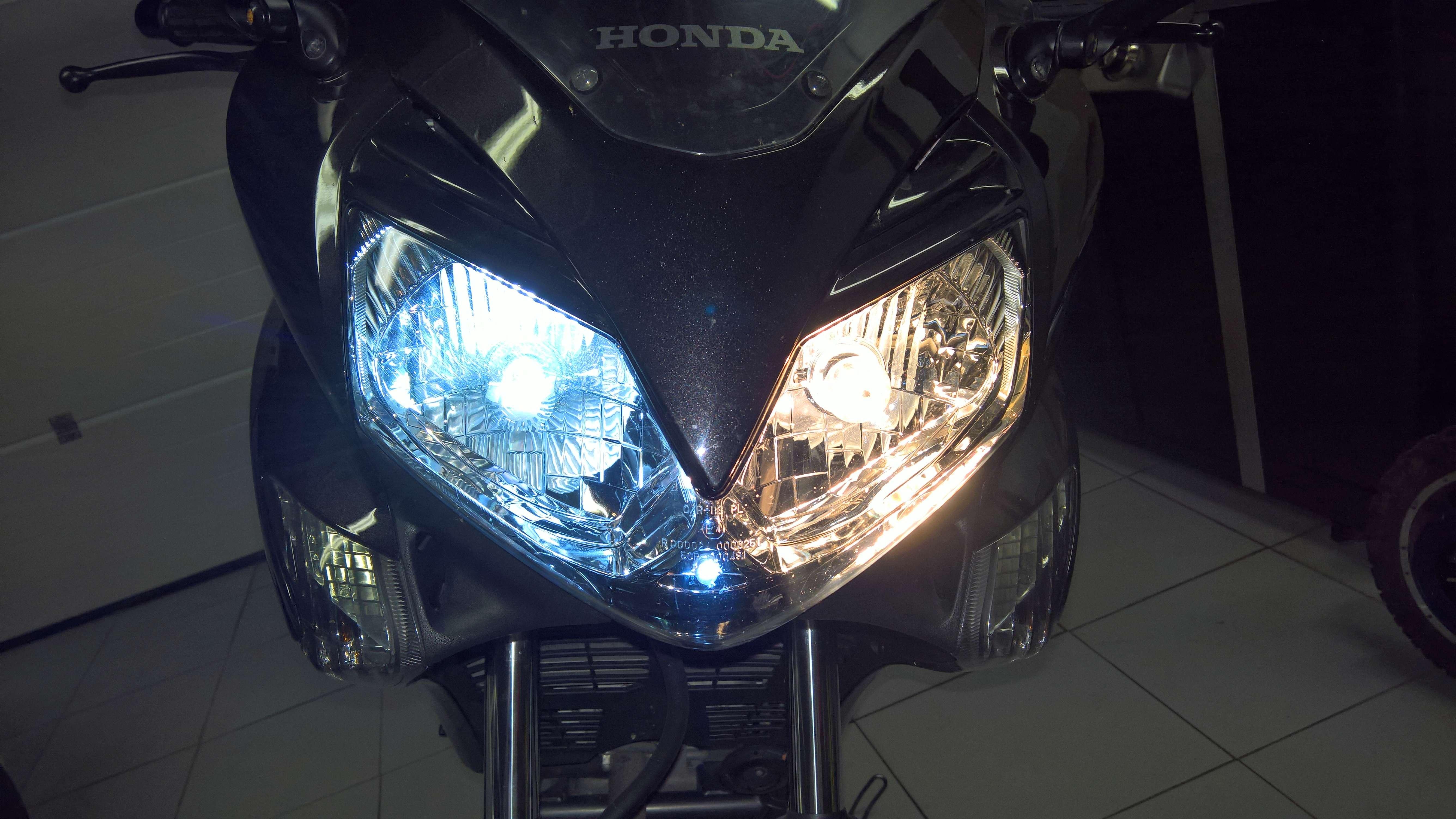 Remplacement des ampoules par LED (Varadero 125 - 2008) Wp_20122