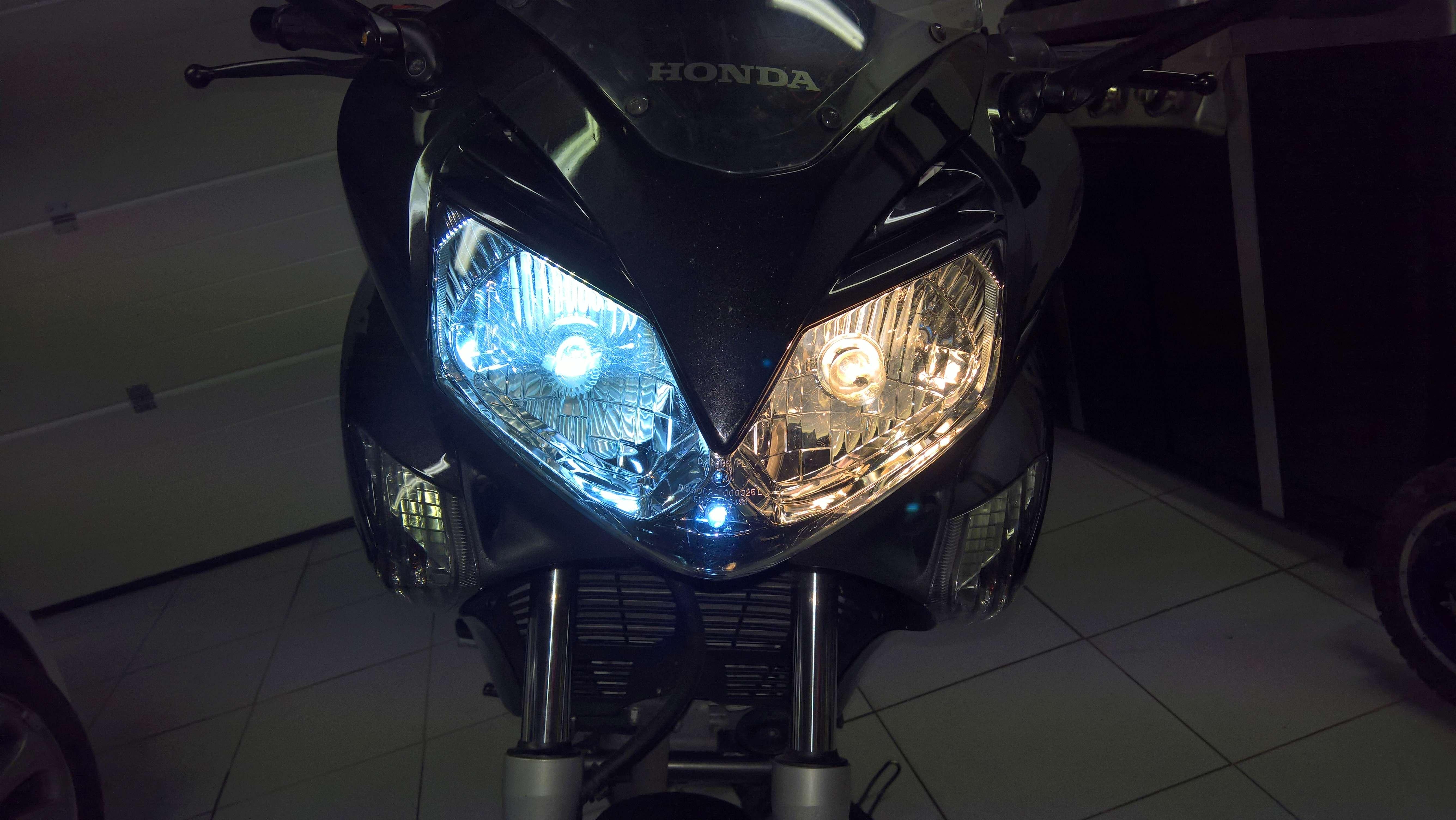 Remplacement des ampoules par LED (Varadero 125 - 2008) Wp_20128