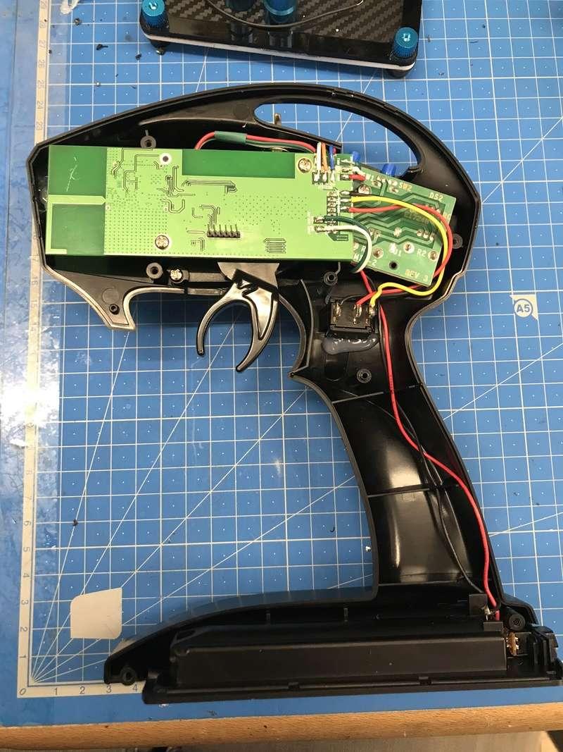 Modifications radio #6528 2ch en 4ch + voltemetre 51829210